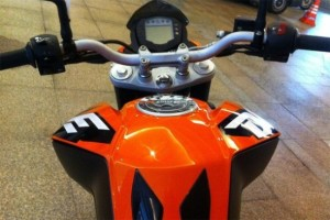 KTM DUKE 200 2012 Tanque