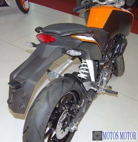 KTM DUKE 200 2012 Traseira