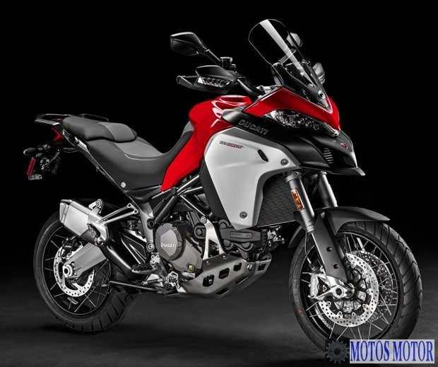 Ducati Multistrada 1200 Vermelha