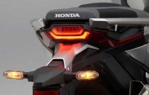 Honda X-ADV 2018 Lanterna